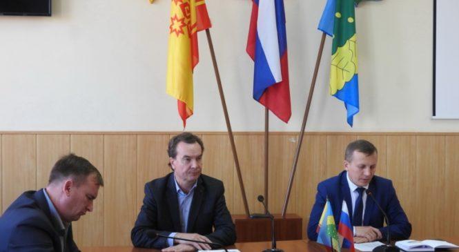 Состоялось рабочее совещание глав сельских поселений с региональным оператором