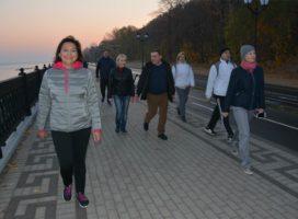 Коллектив Мининформполитики Чувашии вышел на оздоровительную прогулку