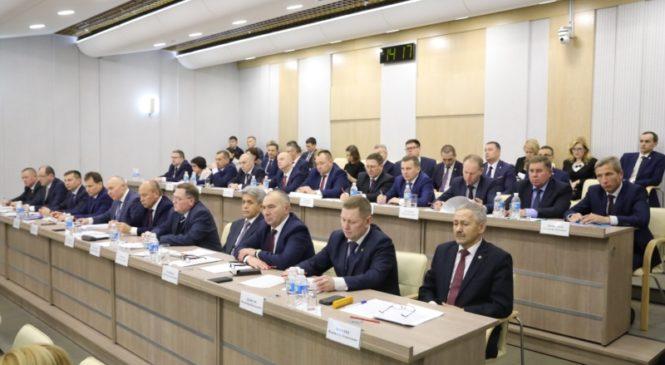 В Доме Правительства прошло совещание с главами администраций муниципальных районов и городских округов