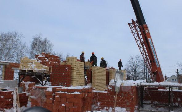 Глава Чувашии ознакомился с ходом строительных работ детского сада в селе Урмаево