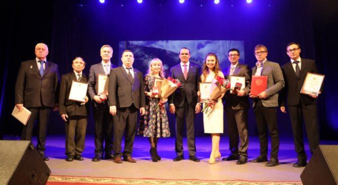 Глава Чувашии Михаил Игнатьев поздравил журналистов и работников печати с профессиональным праздником