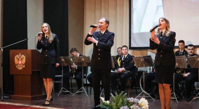 Глава Чувашии поздравил с профессиональным праздником военнослужащих и сотрудников Росгвардии