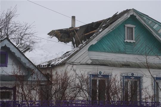 В Комсомольском районе произошло частичное обрушение кровли жилого дома