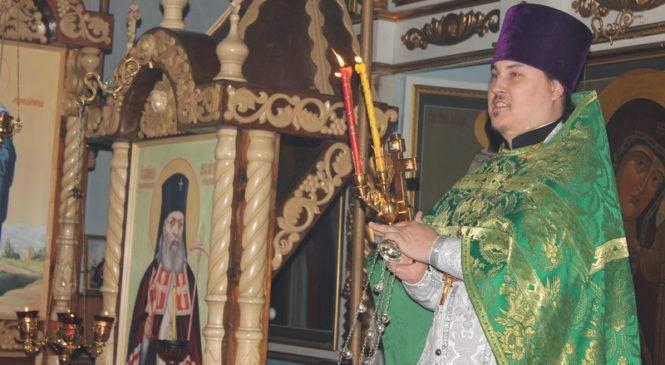 Праздничное пасхальное богослужение в селе Комсомольское