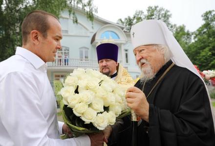 Глава Чувашии поздравил с днём тезоименитства Высокопреосвященнейшего Варнаву,
