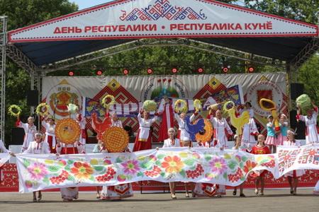 В селе Старые Айбеси Алатырского района состоялось празднование Дня Республики.