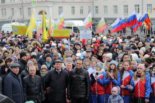 В митинге-концерте приняли участие более 5 тысяч горожан и гостей столицы Чувашии