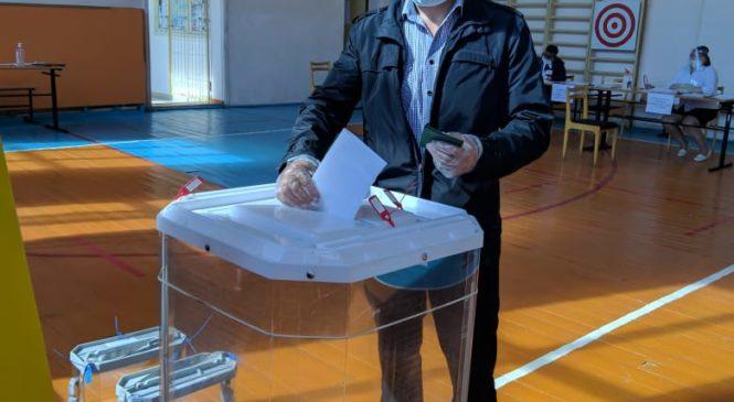 Жители района голосуют  по поправкам в Конституцию РФ
