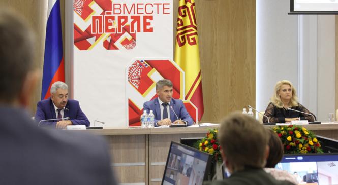 Олег Николаев поддержал идею ввести ставки в клинических больницах для студентов