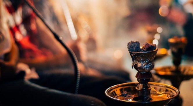 В Чувашии продолжают выявлять нарушителей запрета на курение кальянов в ресторанах
