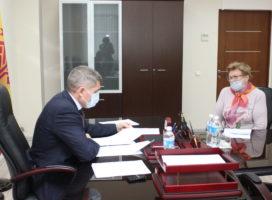 Олег Николаев рассказал, в каком режиме контролирует ситуацию с обманутыми дольщиками