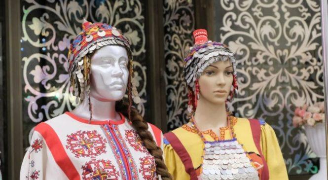 В Чебоксарах открылась выставка «В краю ста тысяч вышивок»
