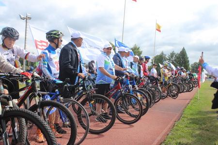 Велопробег «100 км – Потому чТо мы Вместе» взял старт в селе Комсомольское