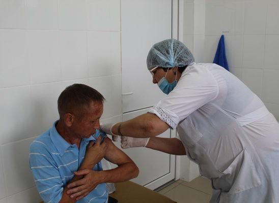 Продолжается вакцинация населения против COVID-19
