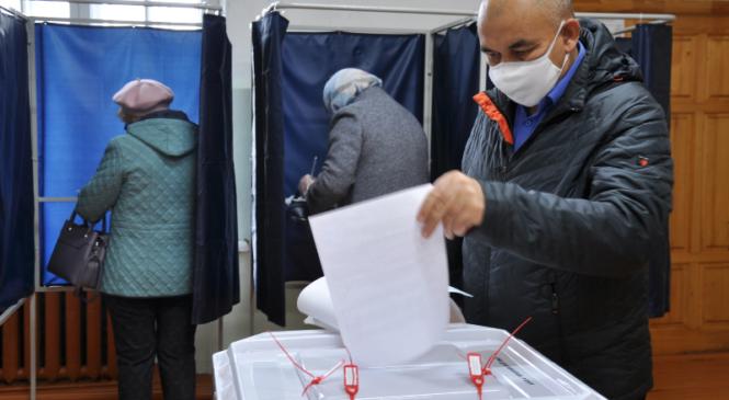 Выборы в Вурнарском районе начались с активного голосования